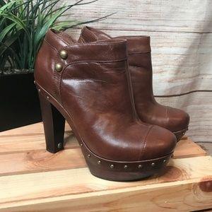 UGG | 7.5 | Brown Ambrogia Heeled Platform Boot